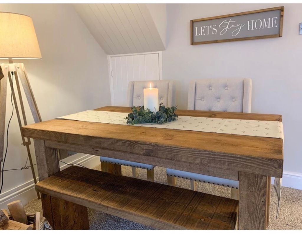 rustic dining room furniture in cottage